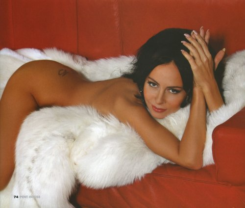 russkie-znamenitie-aktrisi-golie